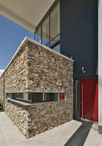 eingangstuere eckverglasung - Glasfassade Privathaus