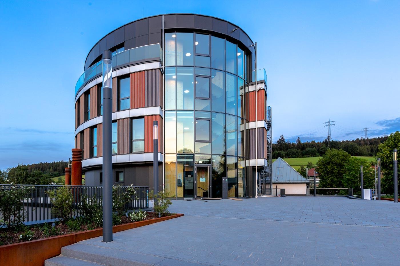 muench mb glasfassade alufenster egt2020 38774 - EGT Bürogebäude St. Georgen
