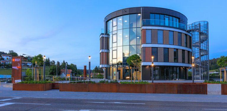 muench mb glasfassade alufenster egt2020 38782 768x376 - EGT Bürogebäude St. Georgen
